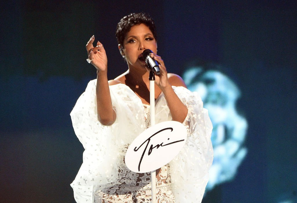 Toni Braxton performs onstage during the 2019 American Music Awards at Microsoft Theater in Los Angeles, California on November 24, 2019. | Photo: Getty Images
