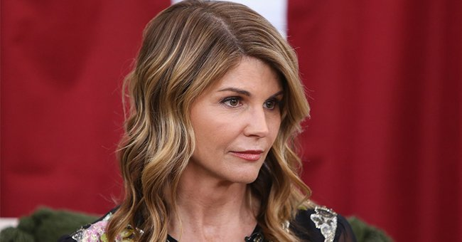 Us Weekly: Lori Loughlin Fears That She Will Contract COVID-19 While Serving Her Prison Sentence