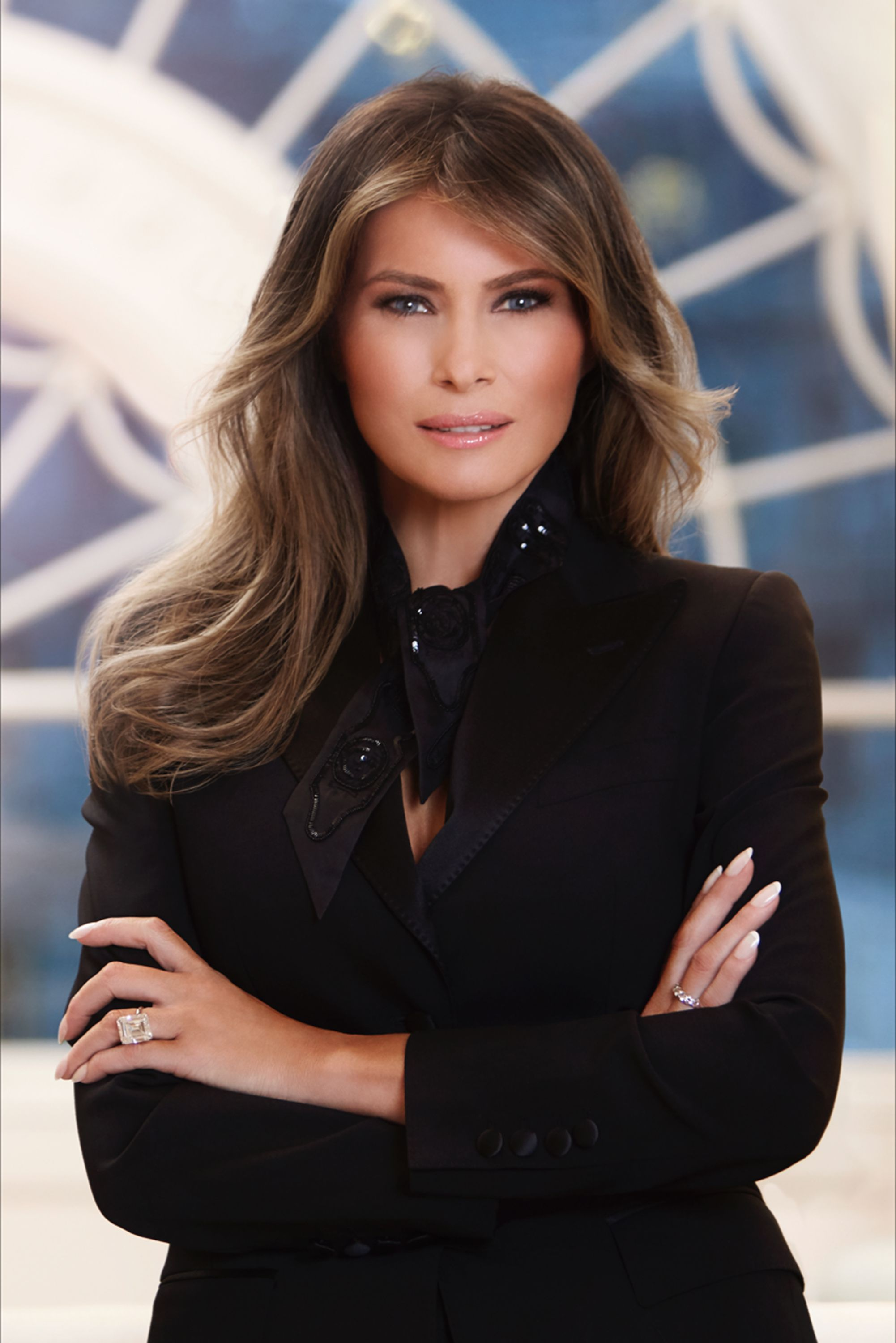 First Lady Melania Trump poses for her official portrait April 2017 in Washington, DC | Photo: Getty Images