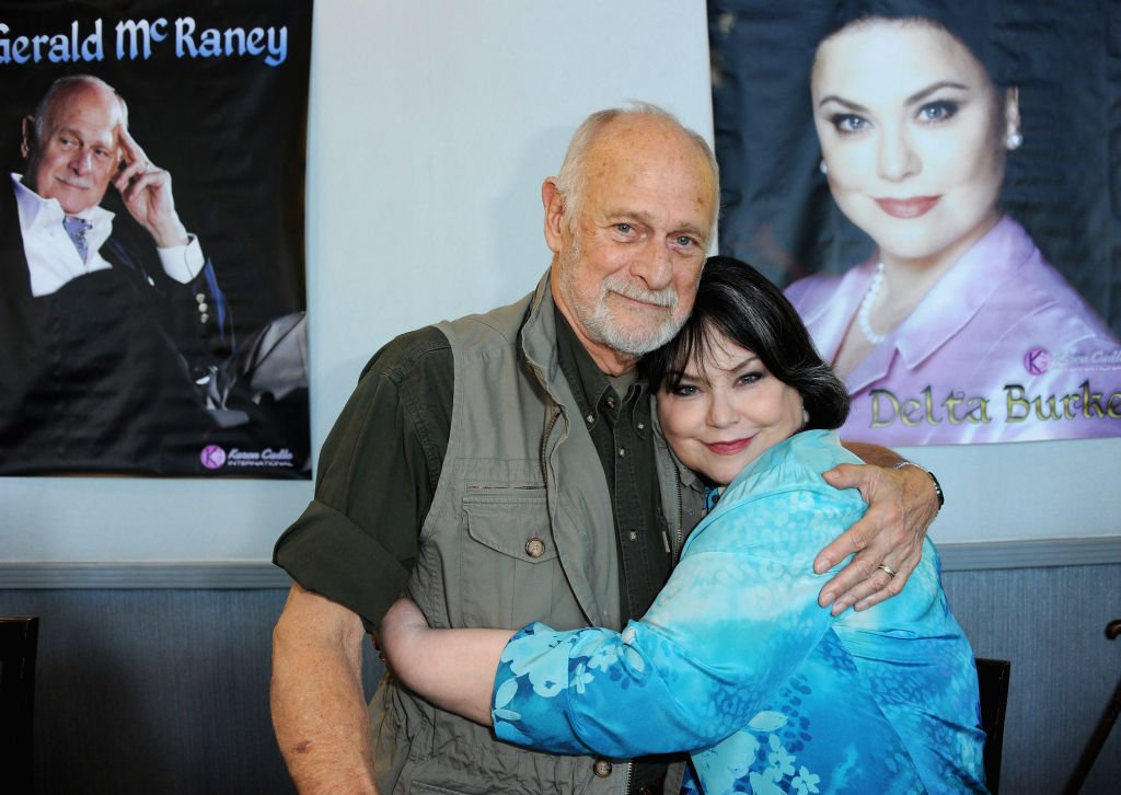 Gerald McRaney and Delta Burke attend the 2020 Hollywood Show held at Marriott Burbank Airport Hotel on February 1, 2020 | Photo: Getty Images
