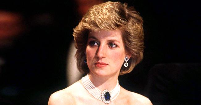 """L'histoire derrière la robe """"vengeance"""" de la Princesse Diana"""