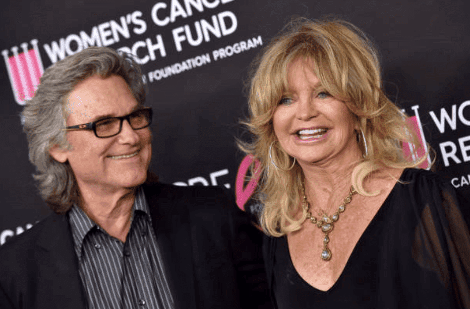 """Kurt Russell and Goldie Hawn pose on the red carpet for """"The Women's Cancer Research Fund's An Unforgettable Evening Benefit Gala,"""" on February 28, 2019, in Beverly Hills, California 