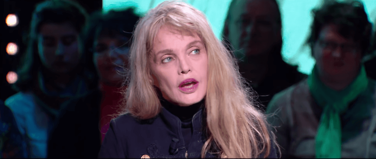Arielle Dombasle | Photo: Youtube / Cinéma CANAL+