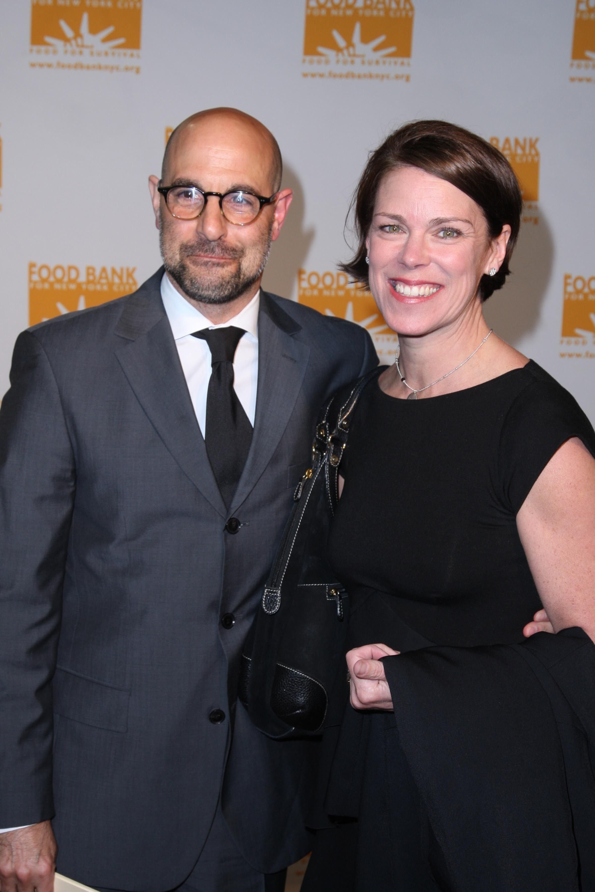 Stanley Tucci and Kate Tucci at FOOD BANK FOR NEW YORK at Pier 60 on April 21, 2009 | Photo: Getty Images