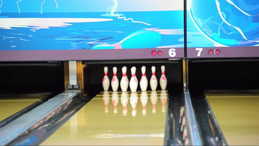 Image of a bowling alley | Photo: Shutterstock