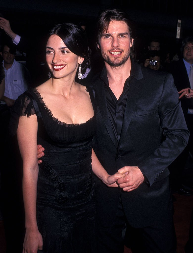 "Penelope Cruz und Tom Cruise nehmen am 17. Juni 2002 an der New Yorker Premiere ""Minority Report"" im Ziegfeld Theatre in New York City teil. (Foto von Ron Galella) I Quelle: Ron Galella Collection über Getty Images"