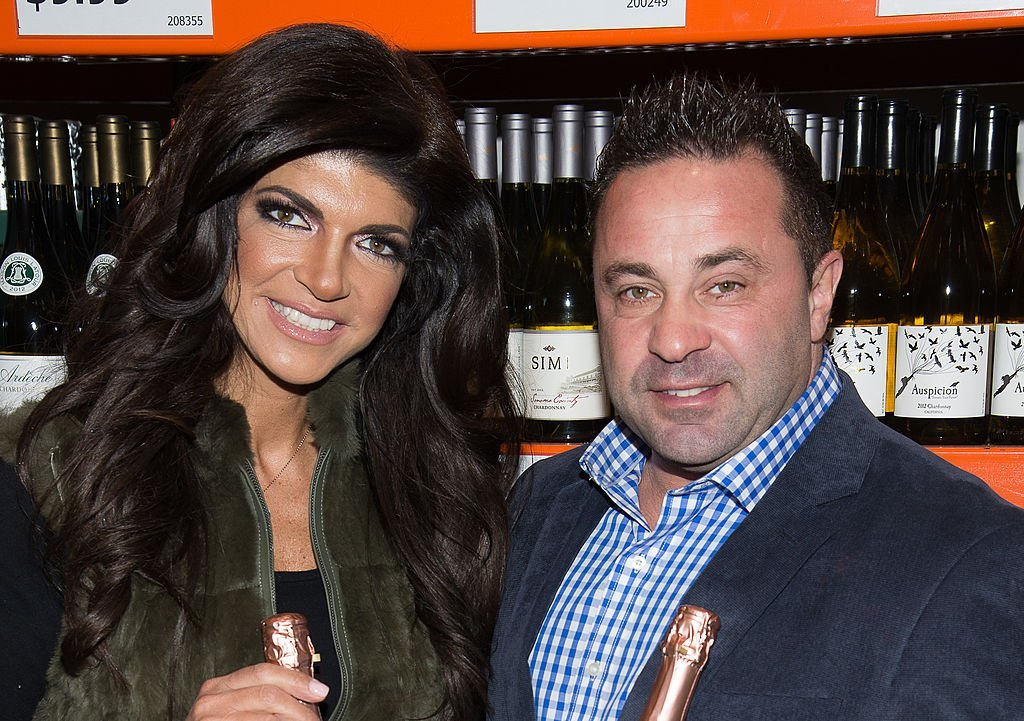 Joe Giudice and Teresa Giudice host a wine bottle signing and tasting at NB Liquors at Costco | Photo: Getty Images