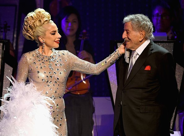 Lady Gaga performs with Tony Bennett during her 'JAZZ & PIANO' residency at Park Theater at Park MGM on January 20, 2019, in Las Vegas, Nevada.| Photo: GettyImages