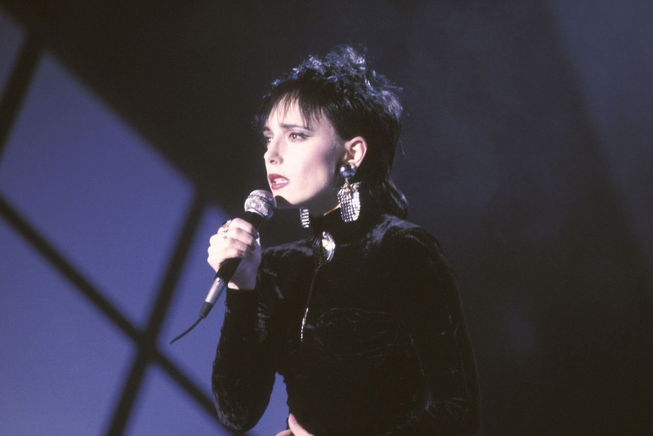 Jeanne Mas lors d'un show télévisé en novembre 1989 à Paris, France. | Photo : Getty Images