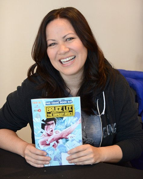 """Martial Artist/actress Shannon Lee signs copies of her comicbook """"Bruce Lee: The Dragon Rise"""" 