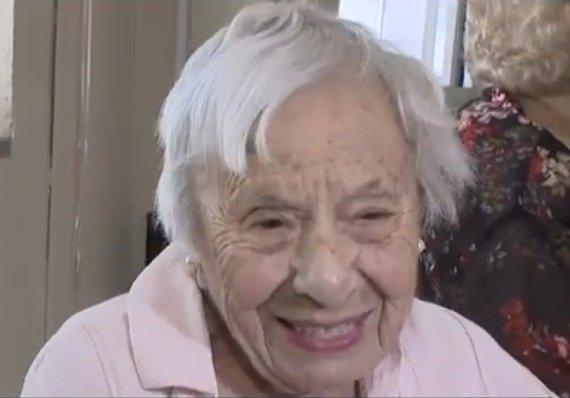 Louise Signore a grandi dans le Bronx depuis l'âge de 14 ans.   Photo: YouTube / CBS New York