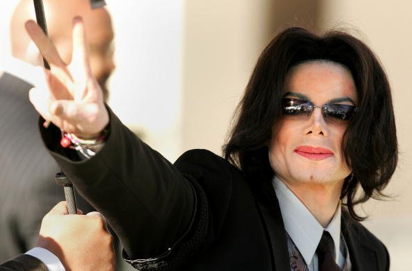 Michael Jackson on the fifth day of his child molestation trial March 7, 2005 | Photo: Getty Images