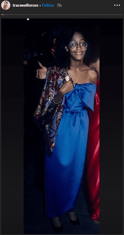 A young Tracee Ellis Ross sashayed in a royal blue dress with a large ribbon attached on the front. | Photo: instagram.com/traceeellisross