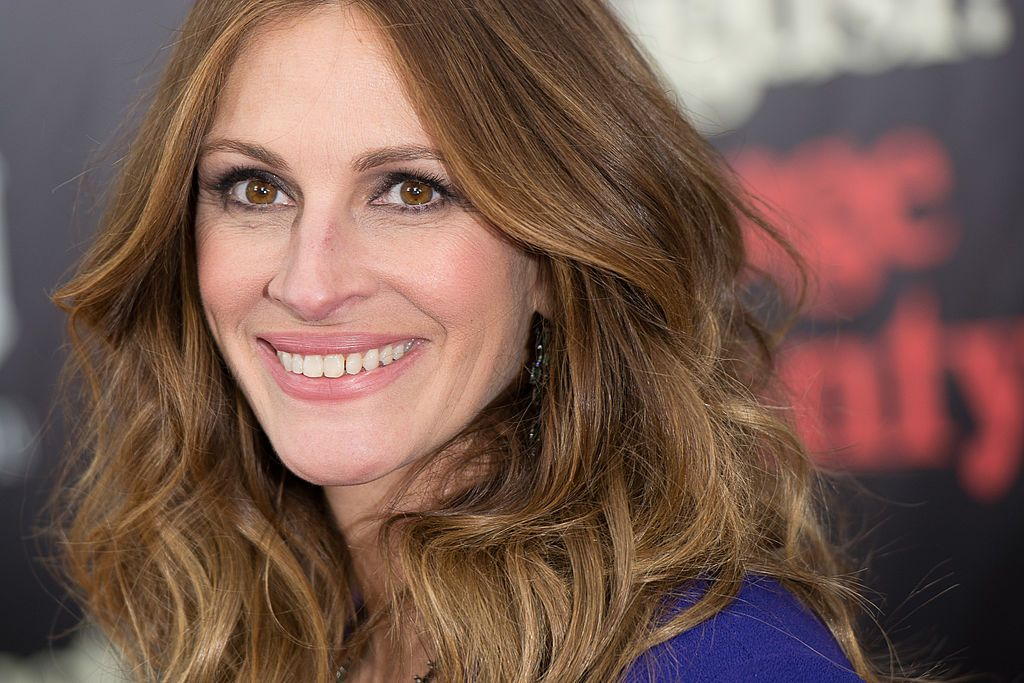 """Julia Roberts at the """"August: Osage County"""" premiere at Ziegfeld Theater on December 12, 2013 in New York City 