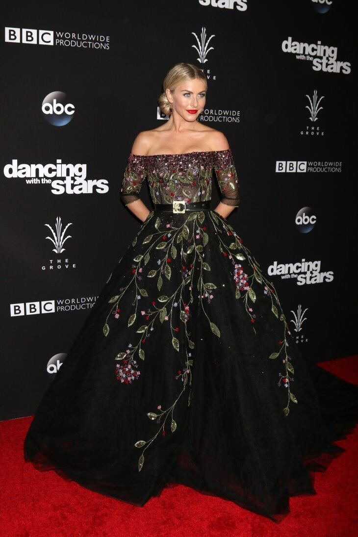 "Julianne Hough at the ""Dancing With The Stars"" Live Finale at The Grove 