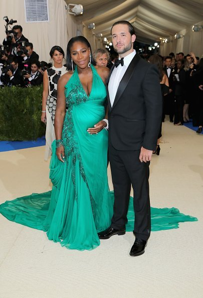 "Serena Williams und Alexis Ohanian, ""Rei Kawakubo/Comme des Garcons: Art Of The In-Between"" Costume Institute Gala, New York City, 2017 
