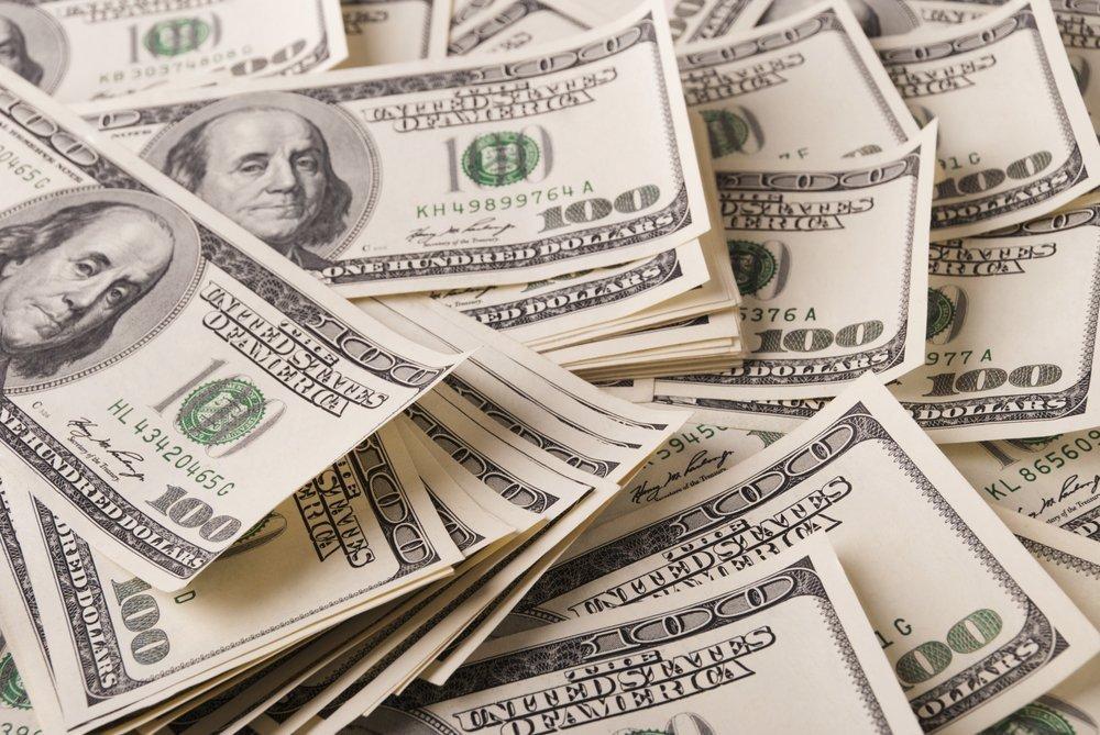 Geldhaufen | Quelle: Shutterstock