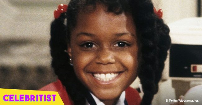 Remember Judy Winslow in 'Family Matters'? She flaunts curves in plaid shirt & mini shorts in pic