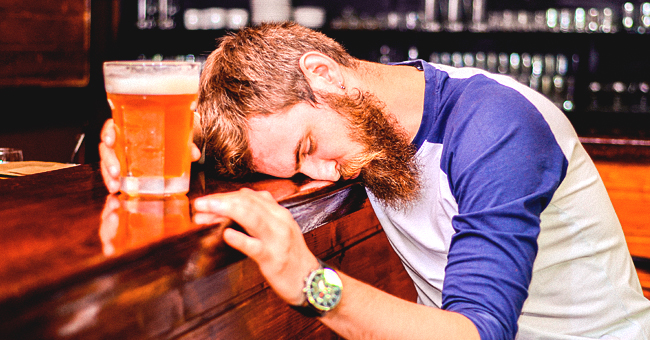 Daily Joke: A Drunk Man with No Money Comes into a Bar and Orders Free Drinks for Everyone