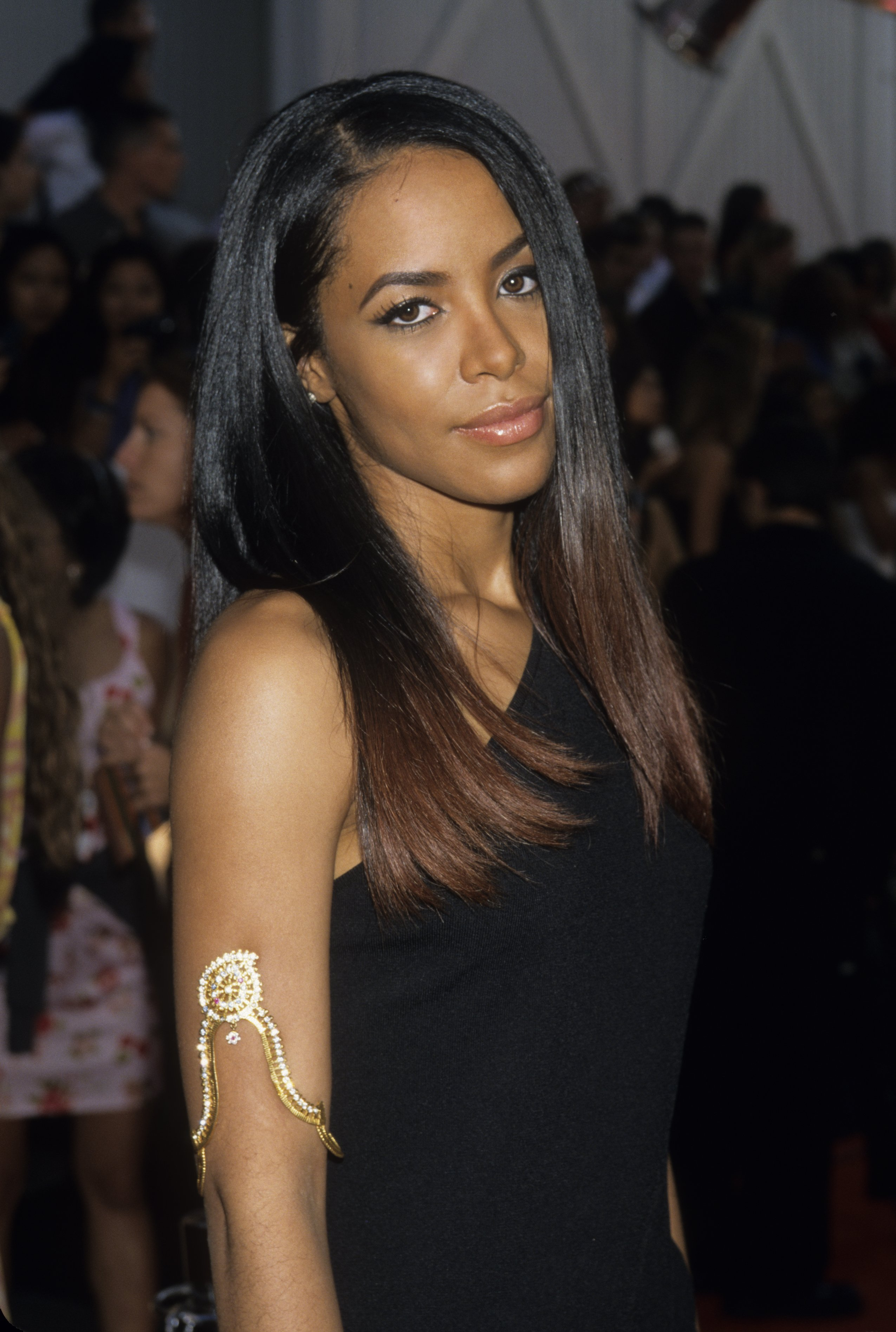 Aaliyah attends the 2000 MTV Movie Awards at Sony Studios on June 3, 2000 in Culver City, California. | Photo : Getty Images