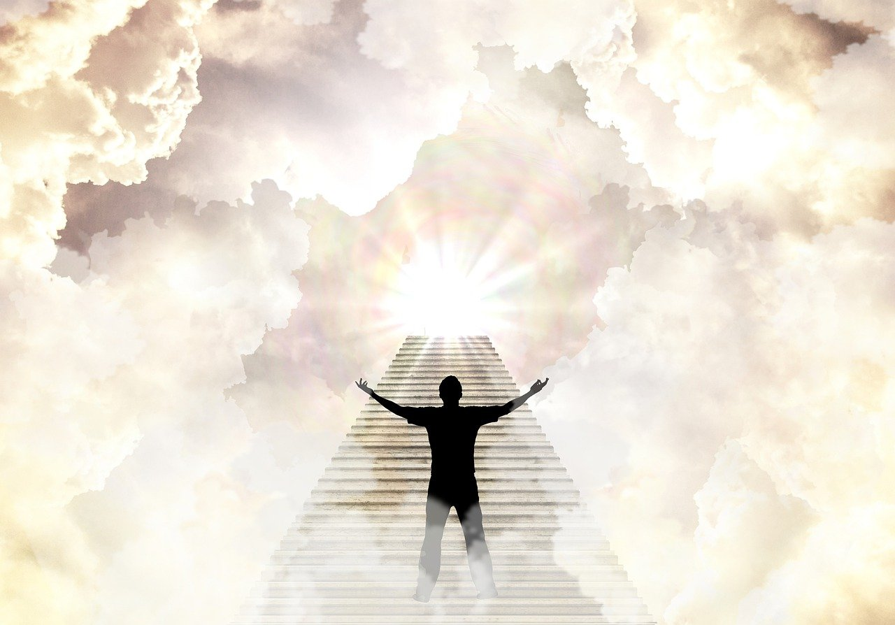 Following the first man, the second man also made it to heaven.   Photo: Pixabay