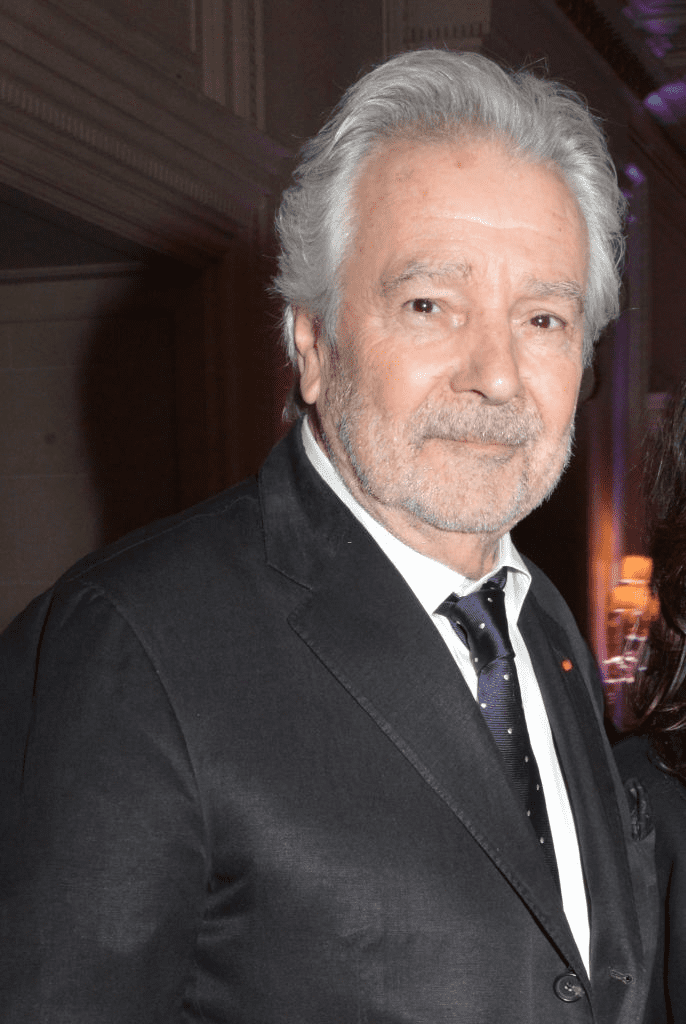 "PARIS, FRANCE - 13 MARS : Pierre Arditi assiste au Gala de charité ""La Recherche en Physiologie"" (Les Stethos D'Or La Soiree Des Stars) au Four Seasons Hotel George V le 13 mars 2017 à Paris, France. 