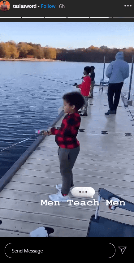 Photo of Fantasia Barrino's son, Dallas, and his friends while they were fishing. | Photo: Instagram/ tasiasword