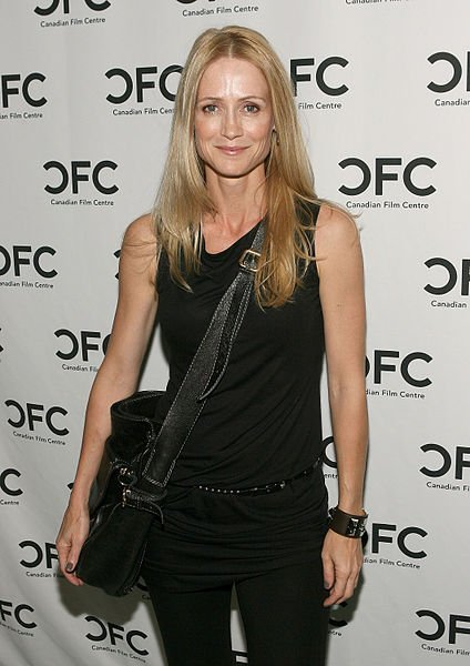 Kelly Rowan attends The Canadian Film Centre cocktail reception celebrating the Telefilm Canada Features Comedy Lab. | Source: Wikimedia Commons