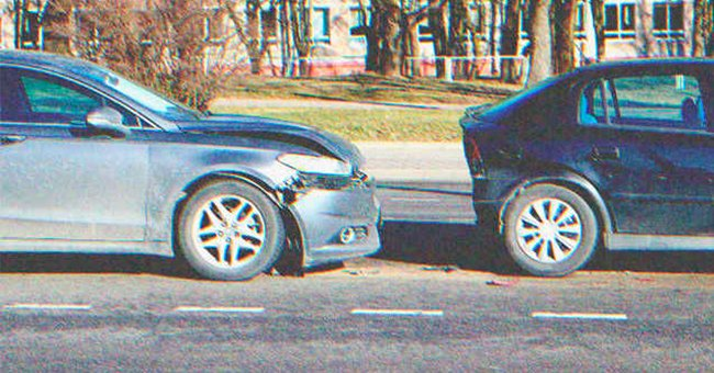 Two cars parked on the roadside   Photo: Shutterstock