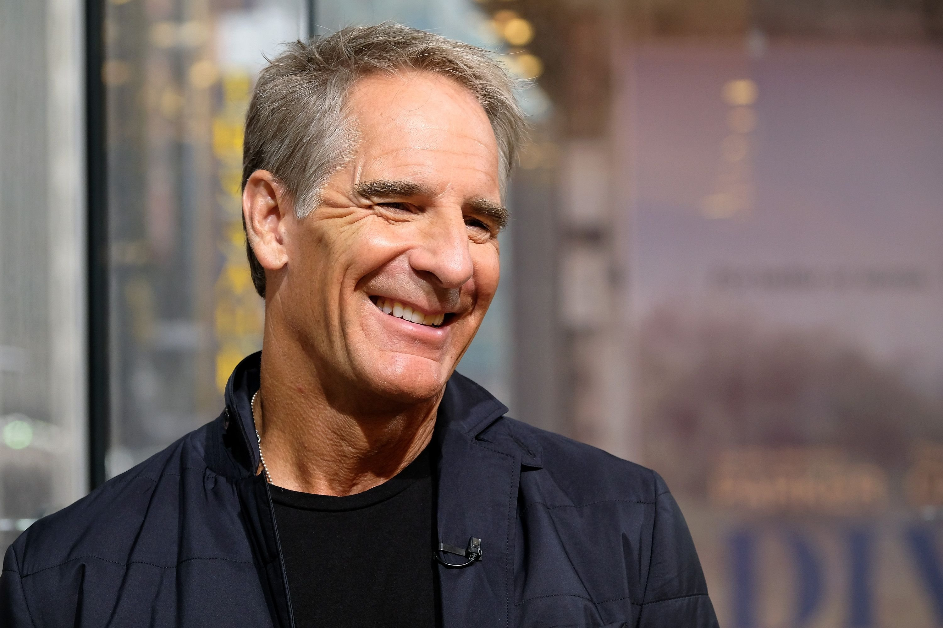 "Scott Bakula visits ""Extra"" at their New York studios at H&M in Times Square on September 19, 2016, in New York City 