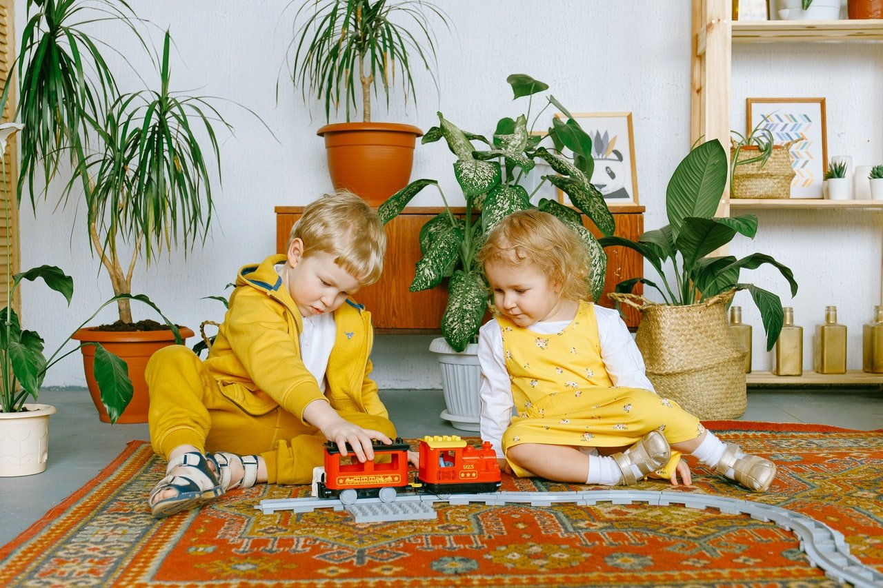 Photo of two kids playing together   Photo: Pexels