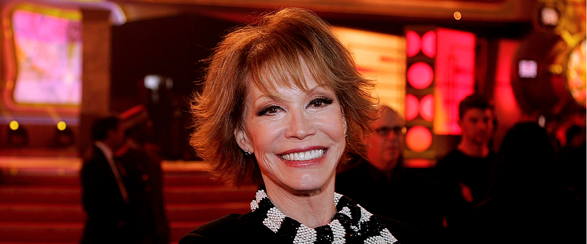 An inside Look at Mary Tyler Moore's Personal Struggles and How She Overcame Them