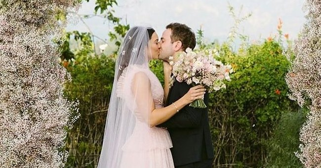 See Mandy Moore's Sweet Tribute to Taylor Goldsmith on Their 2nd Wedding Anniversary
