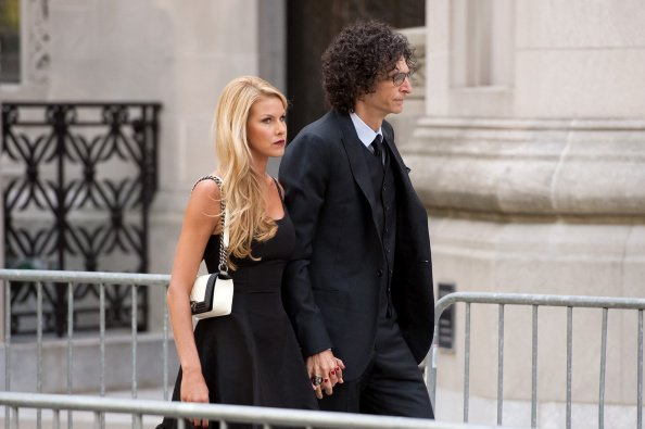 Howard Stern and Beth Ostrosky Stern at Temple Emanu-El on September 7, 2014 in New York City | Photo: Getty Images