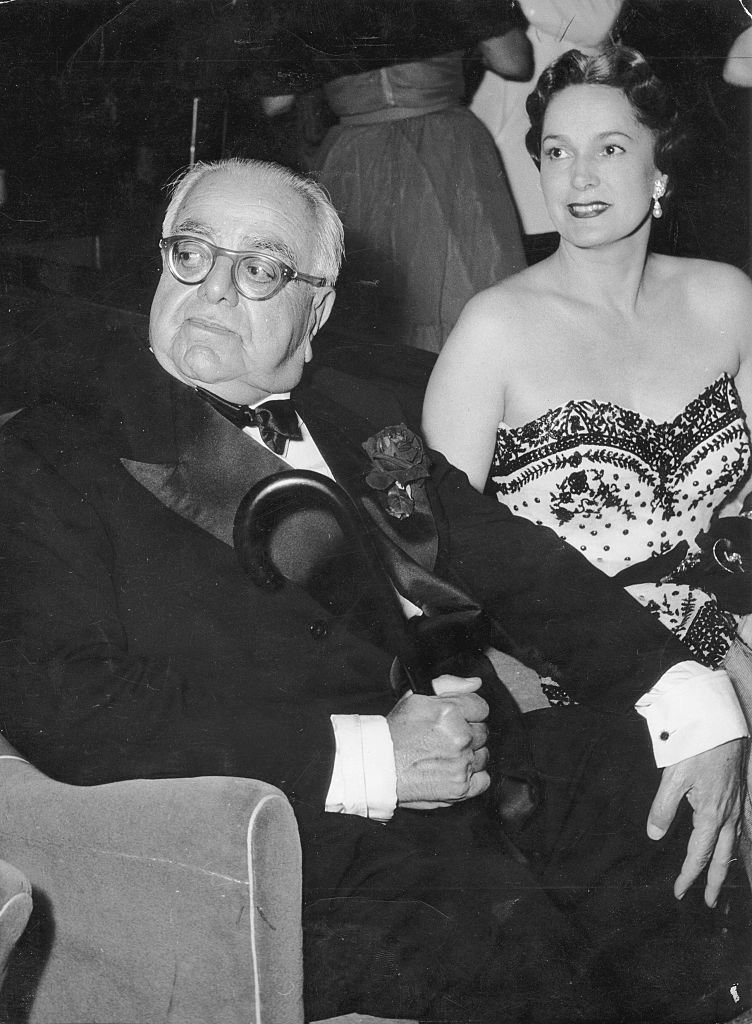 Le prince Aga Khan III et Yvette Labrousse. | Photo : Getty Images