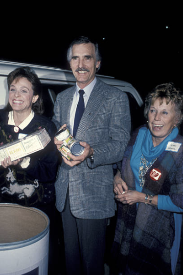 Valerie Harper, Dennis Weaver and Gerry Weaver at LIFE event. Image Credit: Getty Images