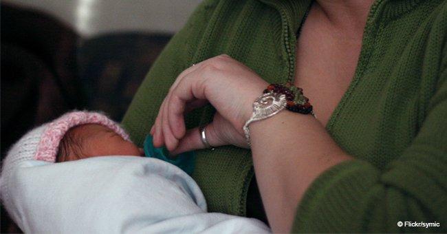 """Junge Mutter """"weint"""", nachdem ein Fremder sie im Wartezimmer einer Klinik beleidigt hat"""