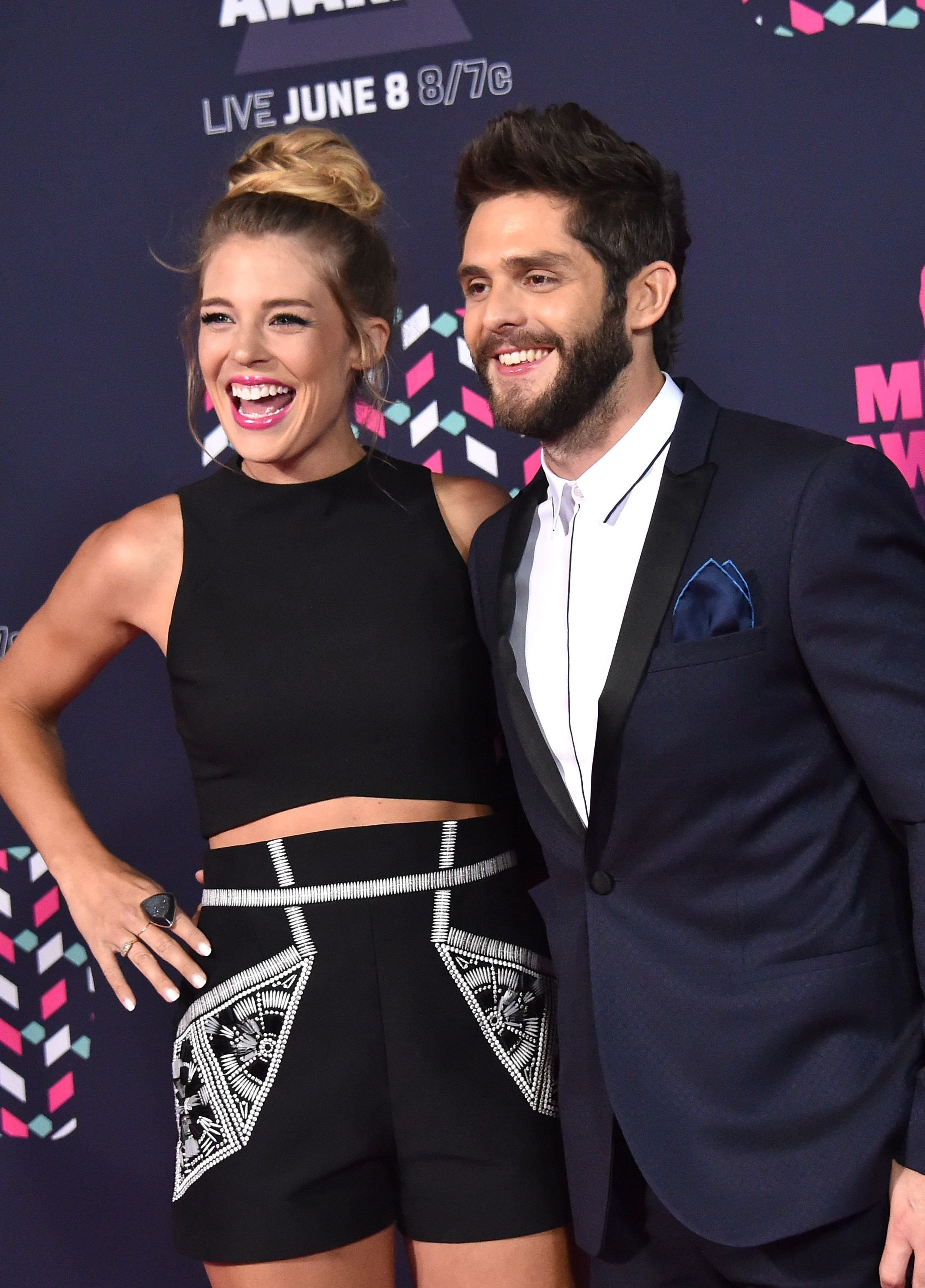 Thomas Rhett and wife Lauren Akins at the CMT Music Awards on June 8, 2016 | Photo: Getty Images