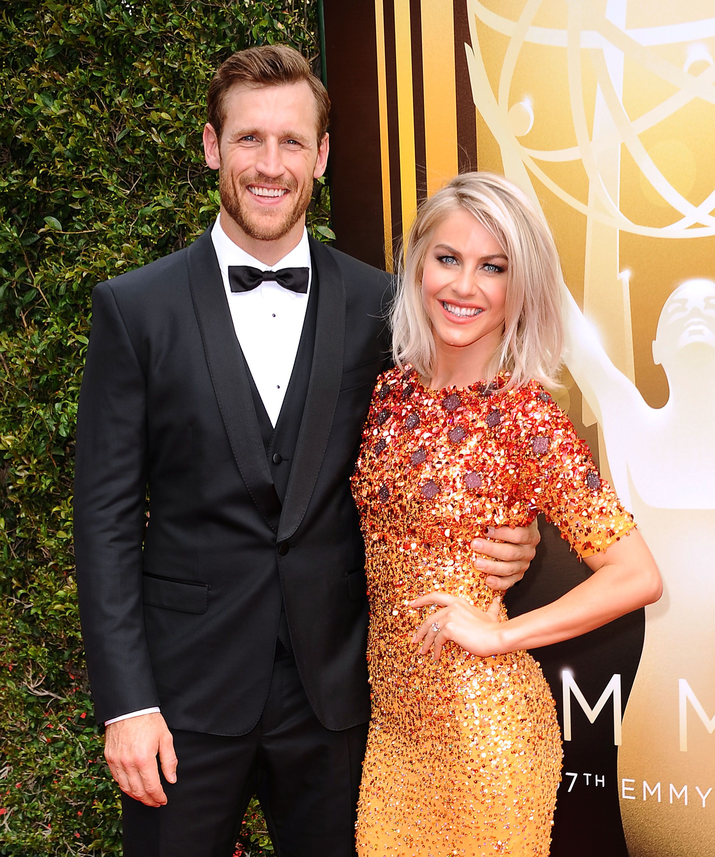 Brooks Laich and Julianne Hough at the 2015 Creative Arts Emmy Awards at Microsoft Theater on September 12, 2015 in Los Angeles, California | Photo: Getty Images
