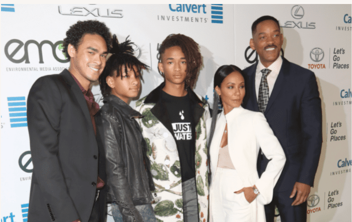 Actors Trey Smith and Jaden Smith and Jada Pinkett Smith, singer Willow Smith and actor Will Smith attend the Environmental Media Association 26th Annual EMA Awards at Warner Bros. Studios on October 22, 2016 in Burbank, California. | Source: Getty Images