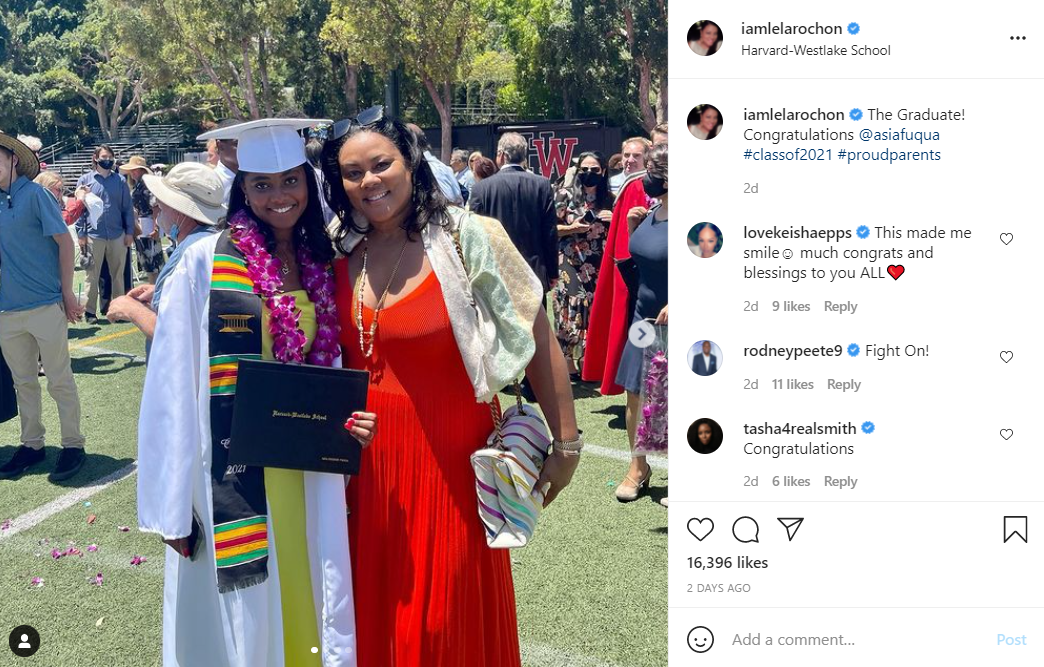 Lela Rochon shares a pic with her daughter Asia on her graduation day. | Photo: Instagram/iamlelarochon