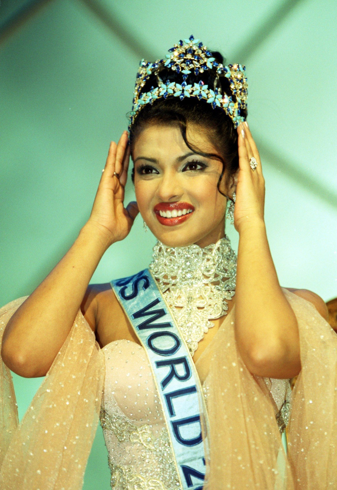 Priyanka Chopra during her crowning moment in Miss World 2002. | Photo: Getty Images