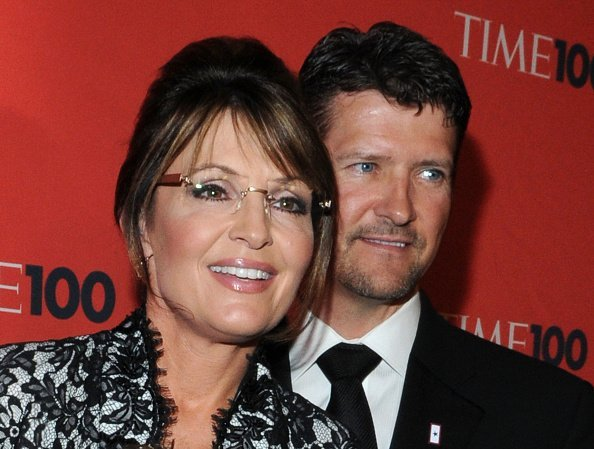 Sarah Palin and Todd Palin attend the 2010 TIME 100 Gala in New York City. | Photo: Getty Images.