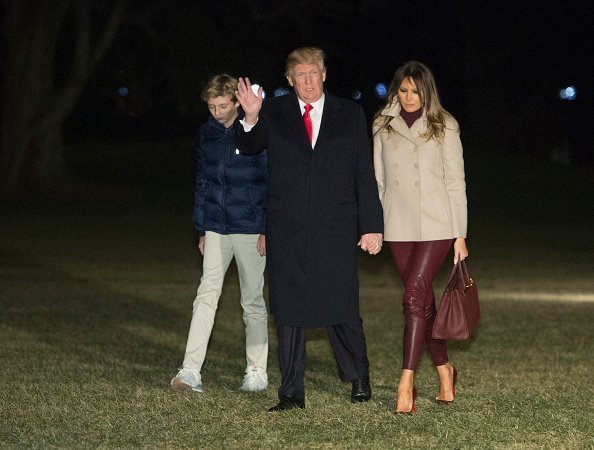 Donald Trump, Melania Trump, and Barron at the White House on August 19, 2018 in Washington, D.C. | Photo: Getty Images