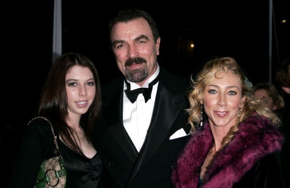Tom Selleck, daugher Hannah and wife Jillie Mack at the Pasadena Civic Auditorium on January 9, 2005 in Pasadena, California | Photo: Getty Images