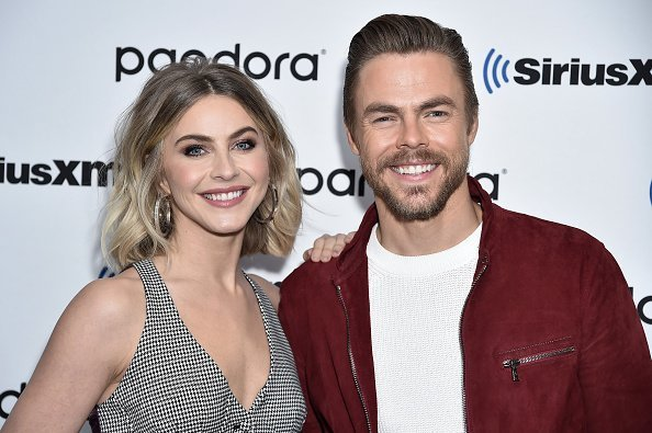 Julianne Hough and Derek Hough visit SiriusXM Studios on December 03, 2019 in New York City | Photo: Getty Images