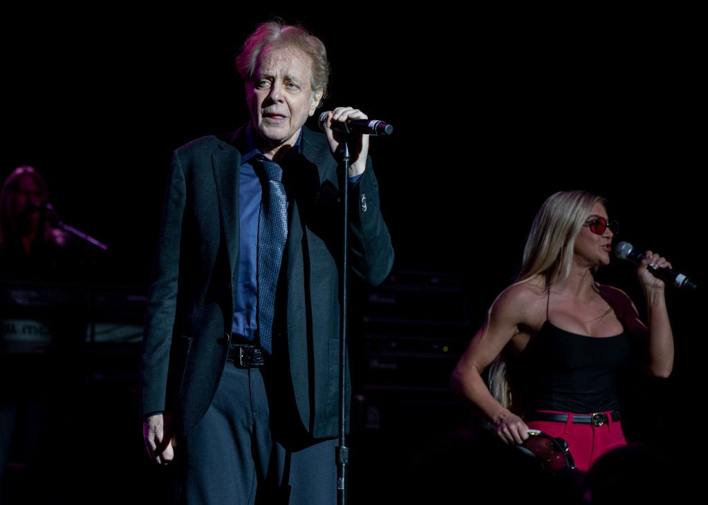 Eddie Money and Jesse Money perform at DTE Energy Music Theater in Clarkston, Michigan on May 25, 2019 | Photo: Getty Images
