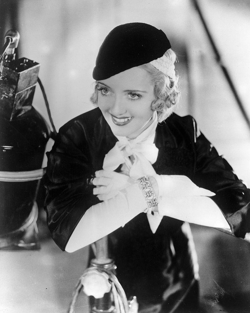 13 de diciembre de 1938: Bette Davis (1908 - 1989), actriz de cine americano.  Fuente: Getty Images
