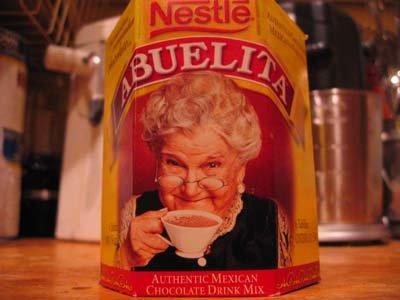 Chocolate Abuelita de Nestlé con la imagen de Sara García | Foto: Flickr