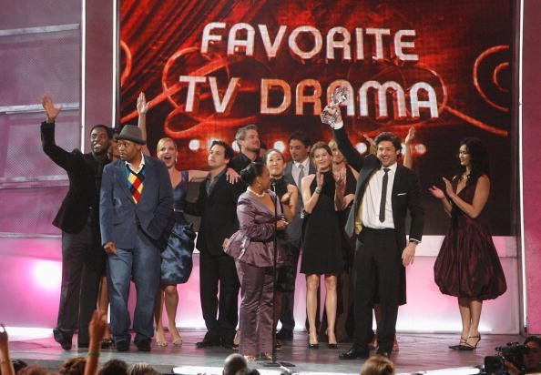 he cast of Grey's Anatomy accepts the award for Favorite TV Drama onstage during the 33rd Annual People's Choice Awards held at the Shrine Auditorium on January 9, 2007, in Los Angeles, California. | Source: Getty Images.